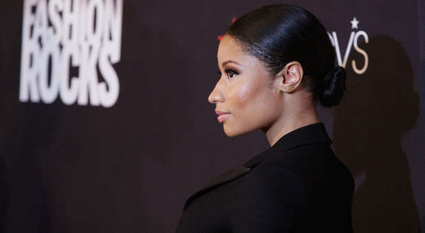 [Image: nicki-minaj-side-fashion-rocks-red-carpet-2.jpg]