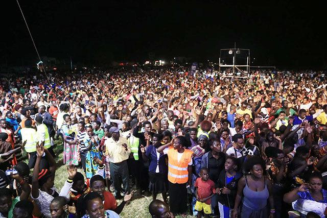 Over 4500 turn up to hear the gospel in Hoima